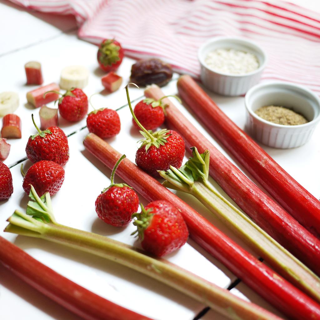 kim-deon-smoothie-recipe-Strawberry-Rhubarb-003
