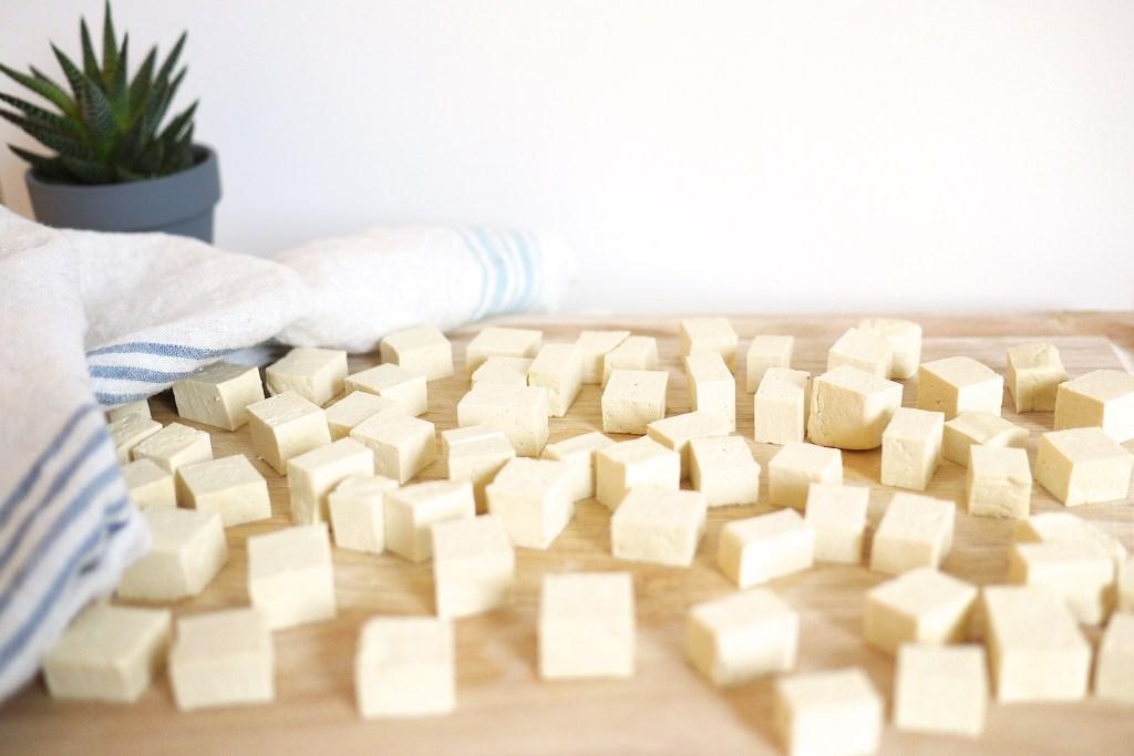 Резанный, кубиками, тофу