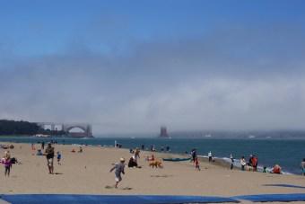 Zie je 'm?! (dit is de Golden Gate Bridge)
