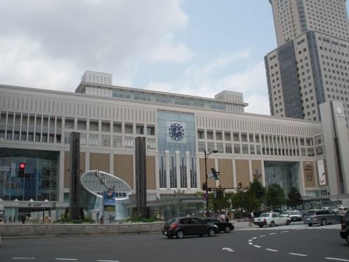 巨大な札幌駅
