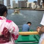 屋形船に乗りました。頭上注意!