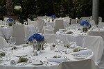 結婚式の披露宴のテーブル