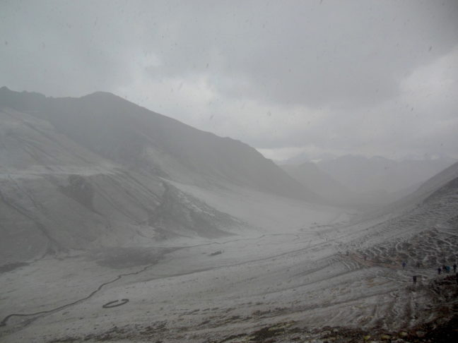 Nog meer hagel op Rainbow Mountain