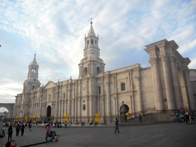 Kerk op het centrale plein in Arequipa