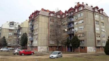 Wandelen door de wijken van Niš.