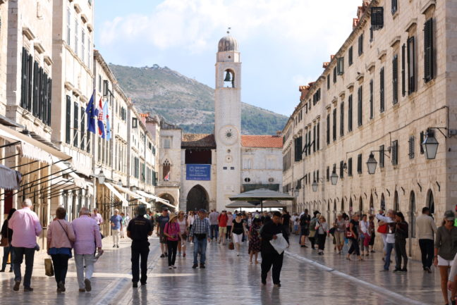 De hoofdstraat van het oude gedeelte van Dubrovnik.