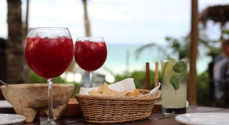 Cocktails drinken in Tulum