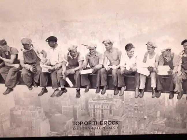 Beroemde foto bouwvakkers op grote hoogte.