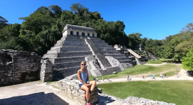 Kim bij de Palenque Maya-ruïnes