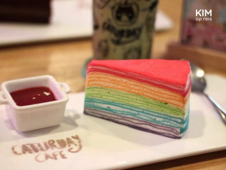 Rainbow Cake in het Caturday Cafe, Bangkok