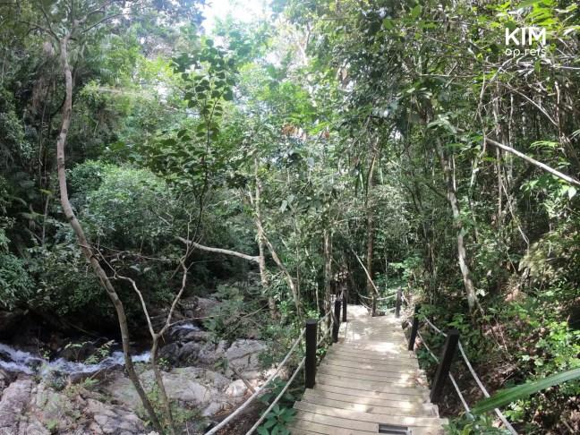 Trap bij Phaeng Noi waterval