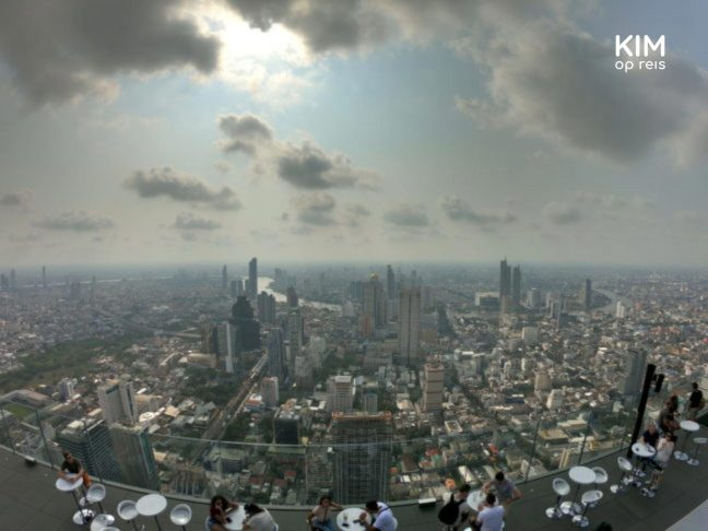 Uitzicht op Bangkok vanaf het MahaNakhon terras