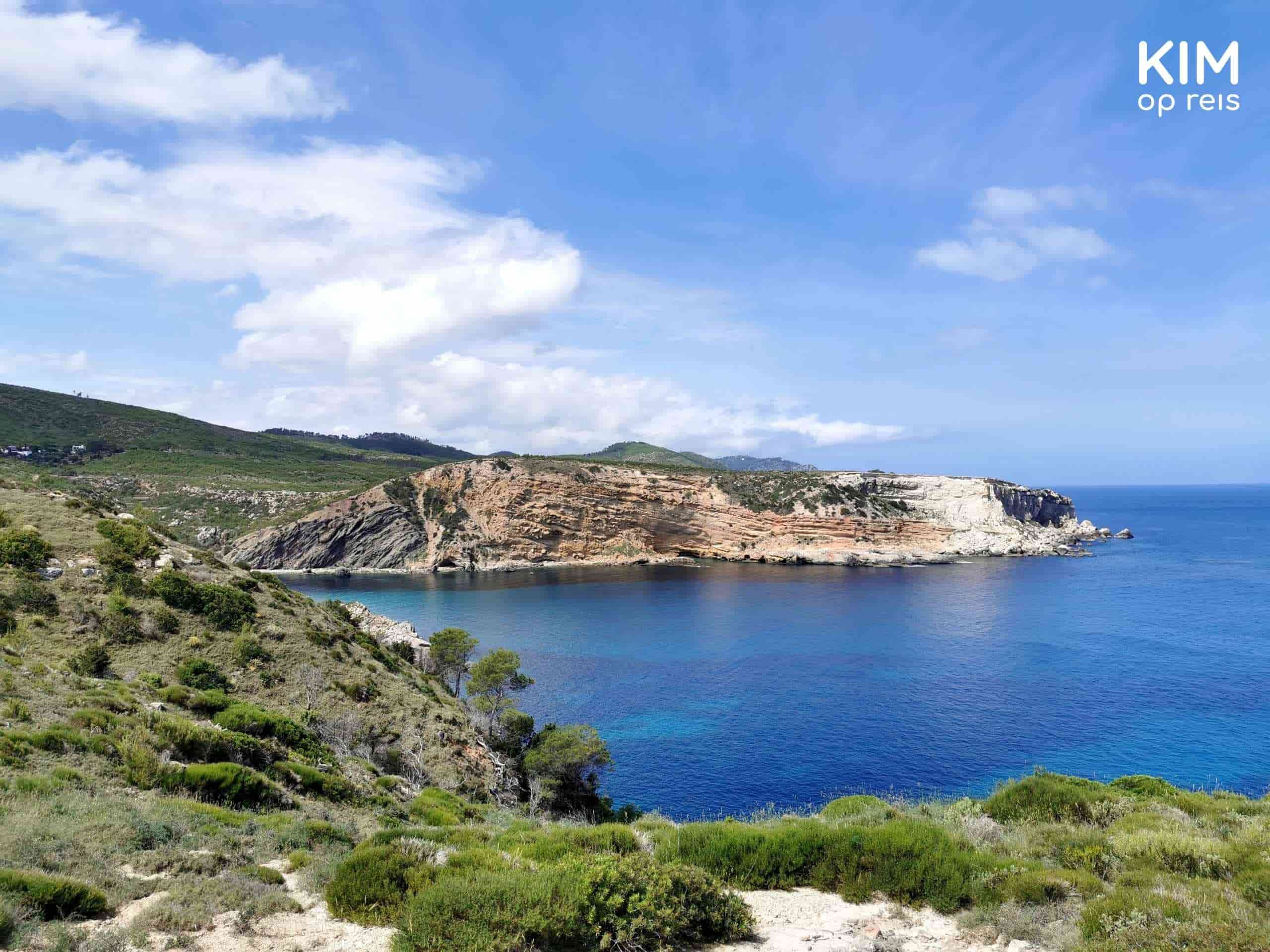Punta Xarraco view: view over a large bay, sunny day