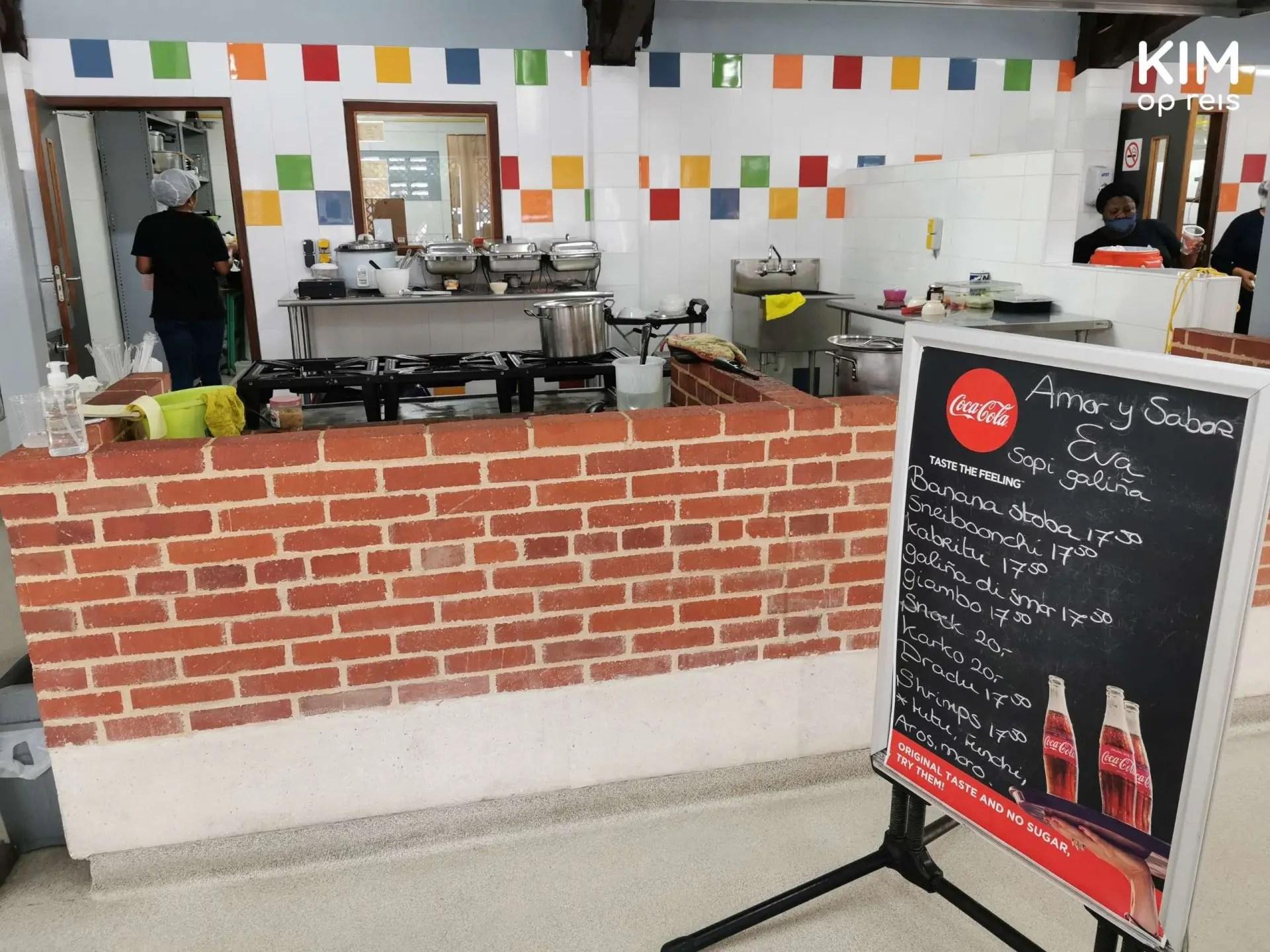 Plasa Bieu Amor y Sabor Eva Curaçao: krijtbord met de gerechten
