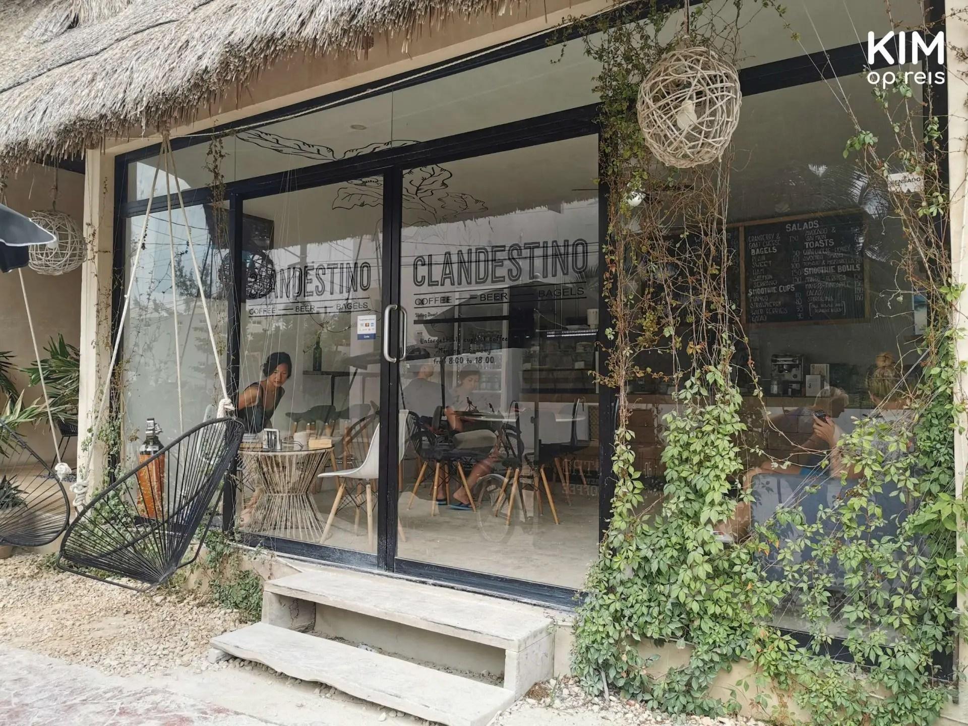 Isla Holbox Clandestino voorkant: entree van restaurant Clandestino