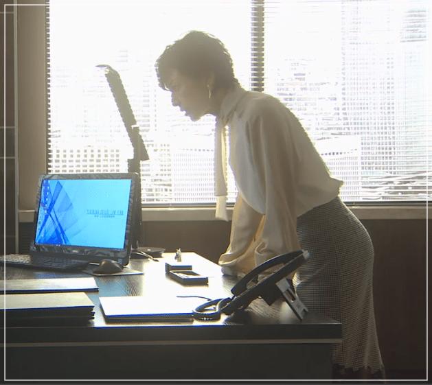 SUITS/スーツ[10話] 鈴木保奈美が着用のピアス!バッグに衣装も!a5