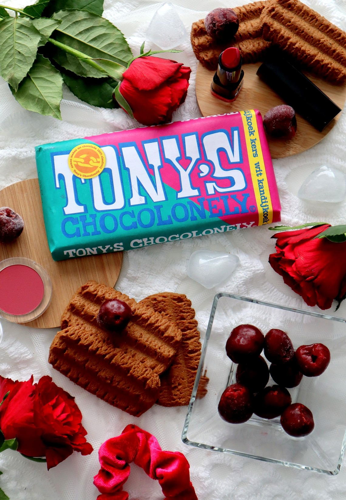 Tony's Chocolonely wit kandijkoek kers