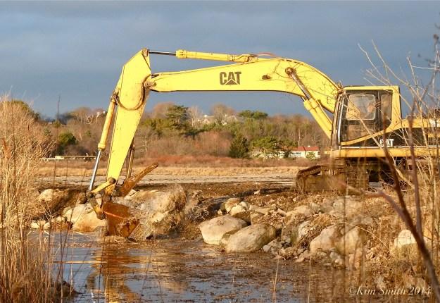 Niles Pond Brace Cove casueway restoration excavator -3 ©Kim Smith 2014.