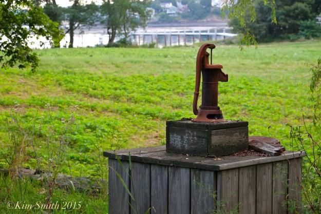 Water pump Cabot Farm Salem ©Kim Smith 2015