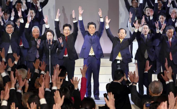 아베연설 1024x629 아베신조의 개헌 야욕! 일본의 헌법 개정은 자위대원 모집?