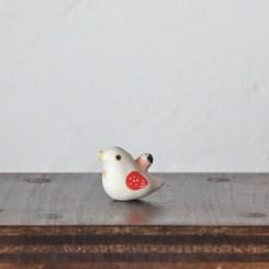 豆ハトのフェーブ  Feve of Pigeon  Size:2.5×1.3×2.0cm/Materials:porcelain  ¥800+Tax  FEVES-85