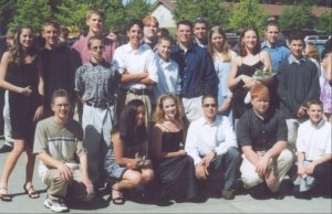 A picture of a group of teens before 9th grade cruise
