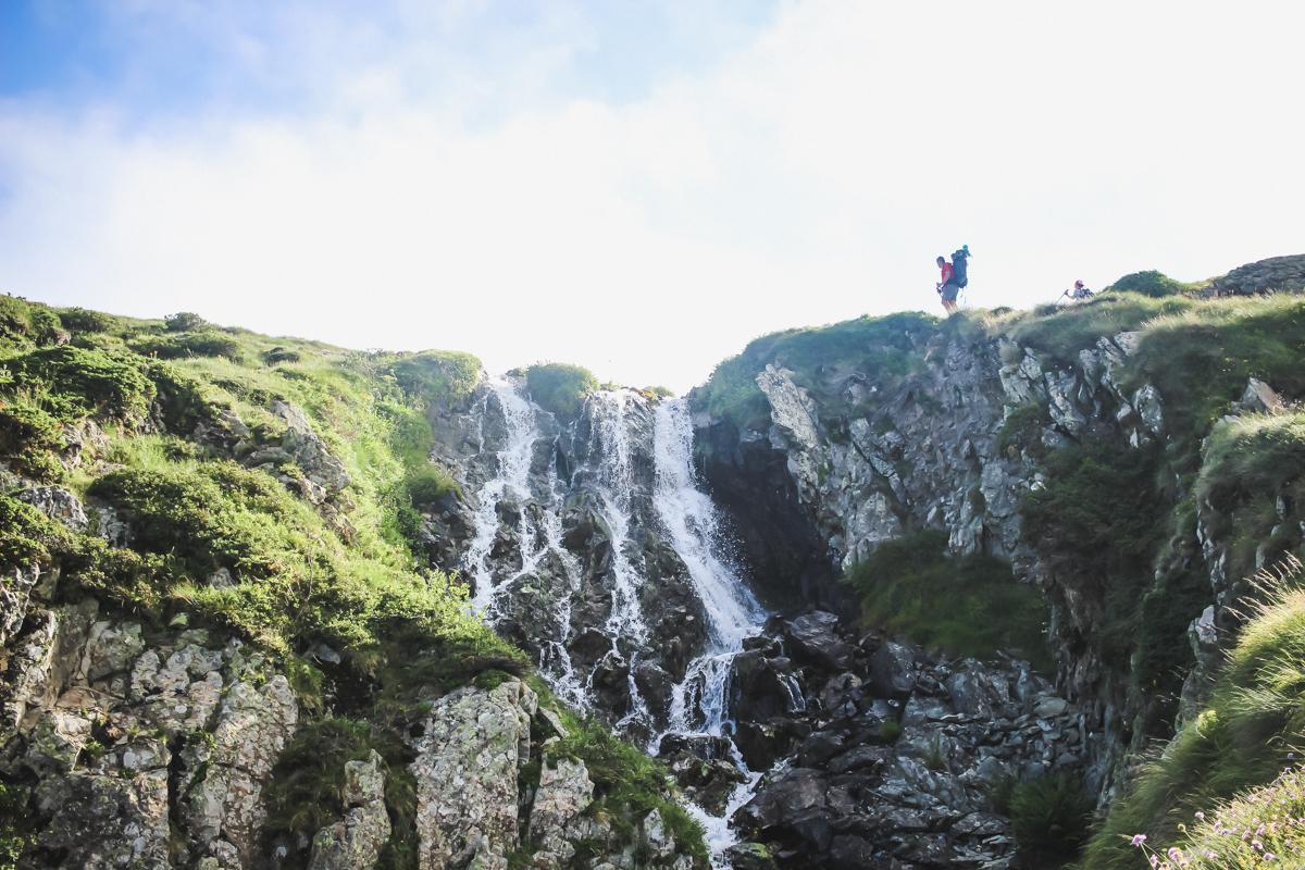 Cascade de la Randonnée des lacs d'Ayous dans les Pyrénées en Vallée d'Ossau