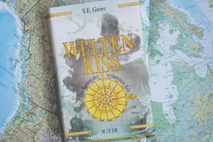 Weltenriss Die Karte der verlorenen Zeit ein Jugendbuch von S. E. Grove, Band 1 der Trilogie