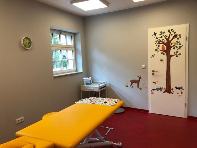 Ein Behandlungszimmer der Praxis