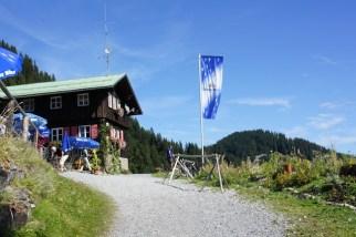 Himmelbett! Bei der Hüttenwanderung mit Kindern kommt Ihr auch am Berghaus Schwaben vorbei. foto (c) kinderoutdoor.de