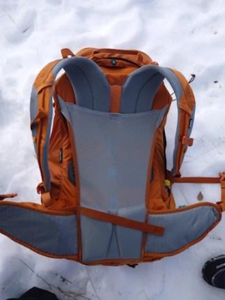 Mit seinem MicroAdjustment System lässt sich der Thule Capstone 50 L in zehn Zentimeter Schritten auf den Rücken perfekt einstellen. foto (c) kinderoutdoor.de