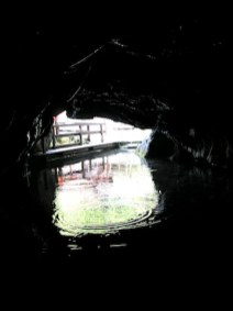 Die Wimsener Höhle ist die Einzige in Deutschland, bei der Ihr mit dem Boot fahrt. foto (c) kinderoutdoor.de