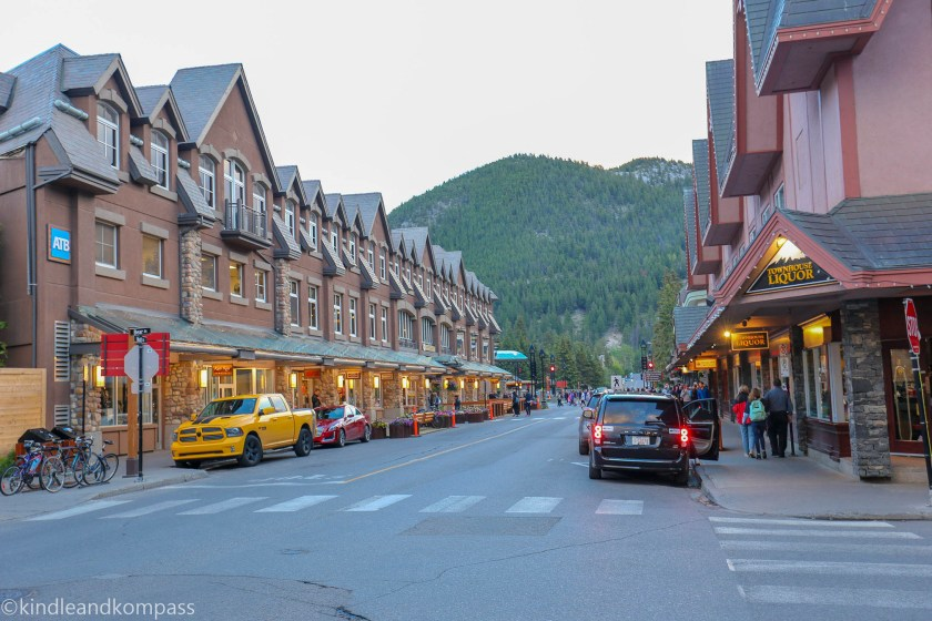 Banff downtown, Icefield parkway, Banff and Jasper Tourism, Canadian Rockies