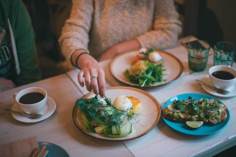 Portion sizes how to trick your brain to eat less