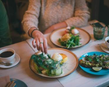 Portion sizes: how to trick your brain to eat less.