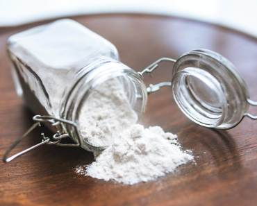 8 benefits of baking soda for hair skin and body