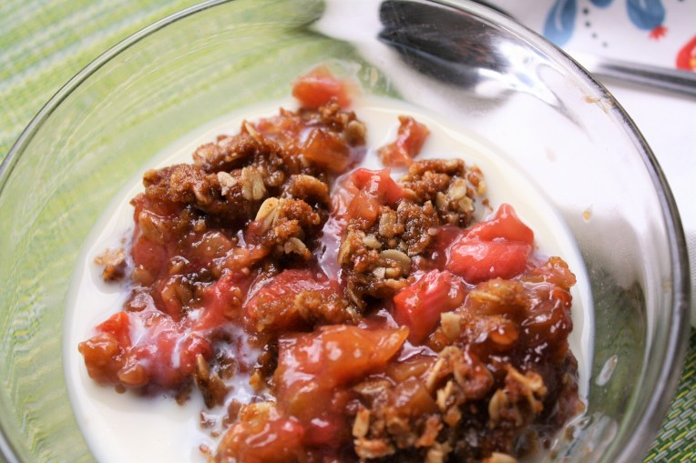 Strawberry Rhubarb Crisp with Milk