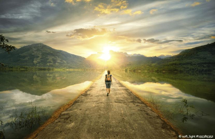 Hinter dem Selbstzweifel wartet die Freiheit – also mach den ersten Schritt