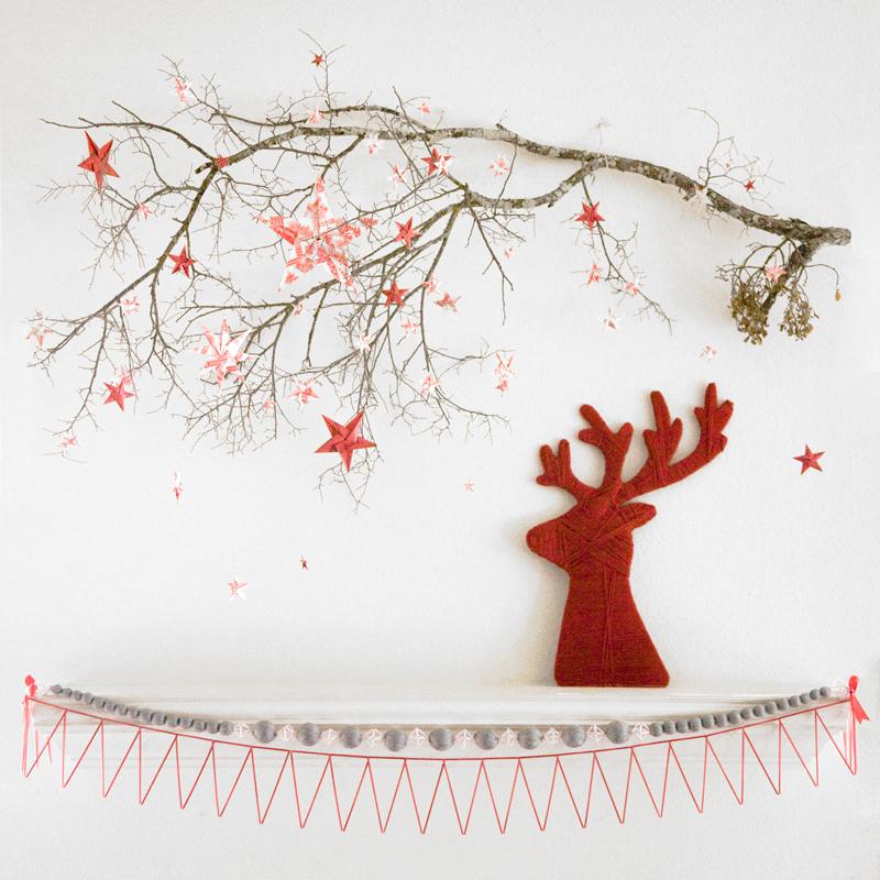 Scandinavian Christmas mantel, red, reindeer, yarn, deer head