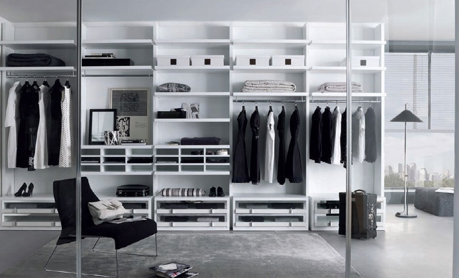 Walk-In-Wardrobes-Closet-with-Sliding-Glass-Door