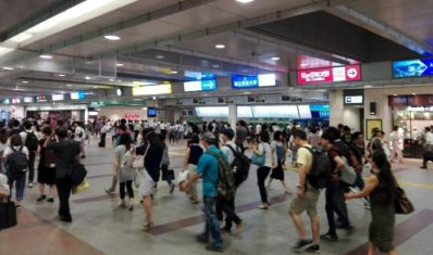 立川駅前の様子