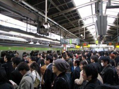 640px-rush_hour_at_shinjuku_02