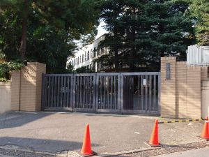 1280px-Tokyo_Gakugei_UNIV_highschool