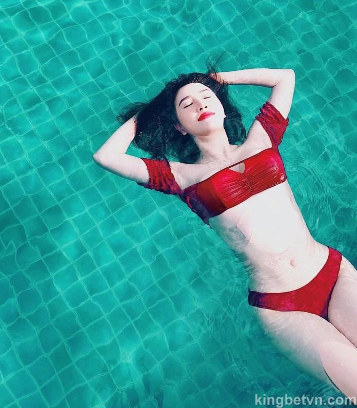 album hình ca sĩ bảo thy mặc bikini sexy