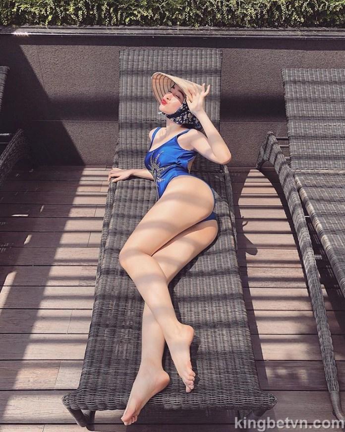 angela phương trinh mặc bikini khoe vòng 3 to cha bá lửa