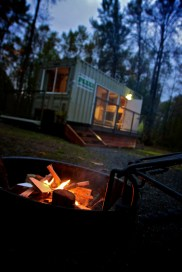camping-container_exterior_nightfire