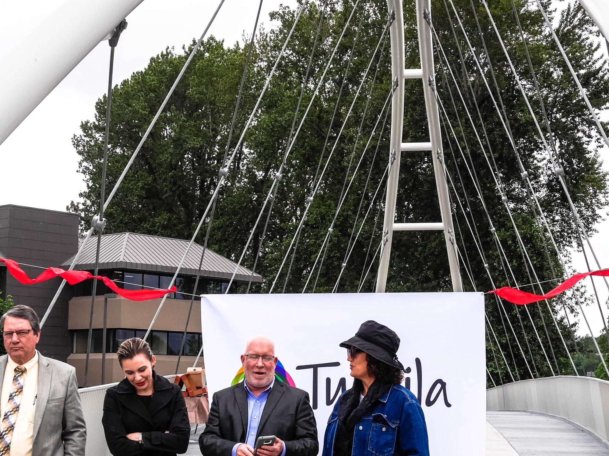 Mayor Ekberg and Jean Thompson at the Tukwila Pedestrian Bridge