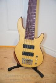 6String_bass-2625