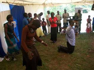 praise-and-worship-in-the-tent
