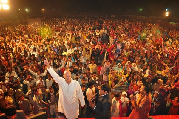 News: 10,000 Pakistani Muslims Accept Jesus In One Night